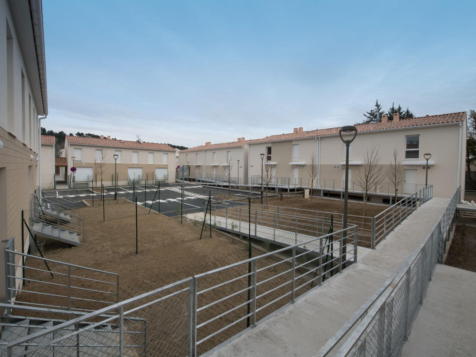 parking résidence Campagne Roche Fuveau